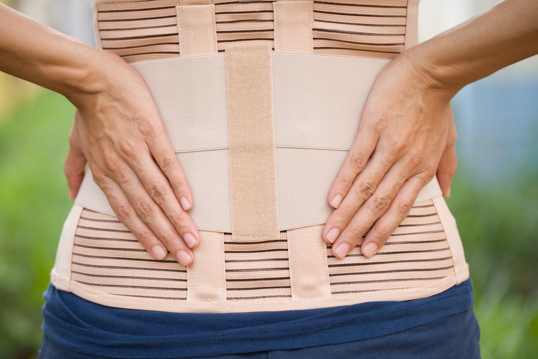 Stütze für die Rückenmuskulatur. Thema: Rückenorthese